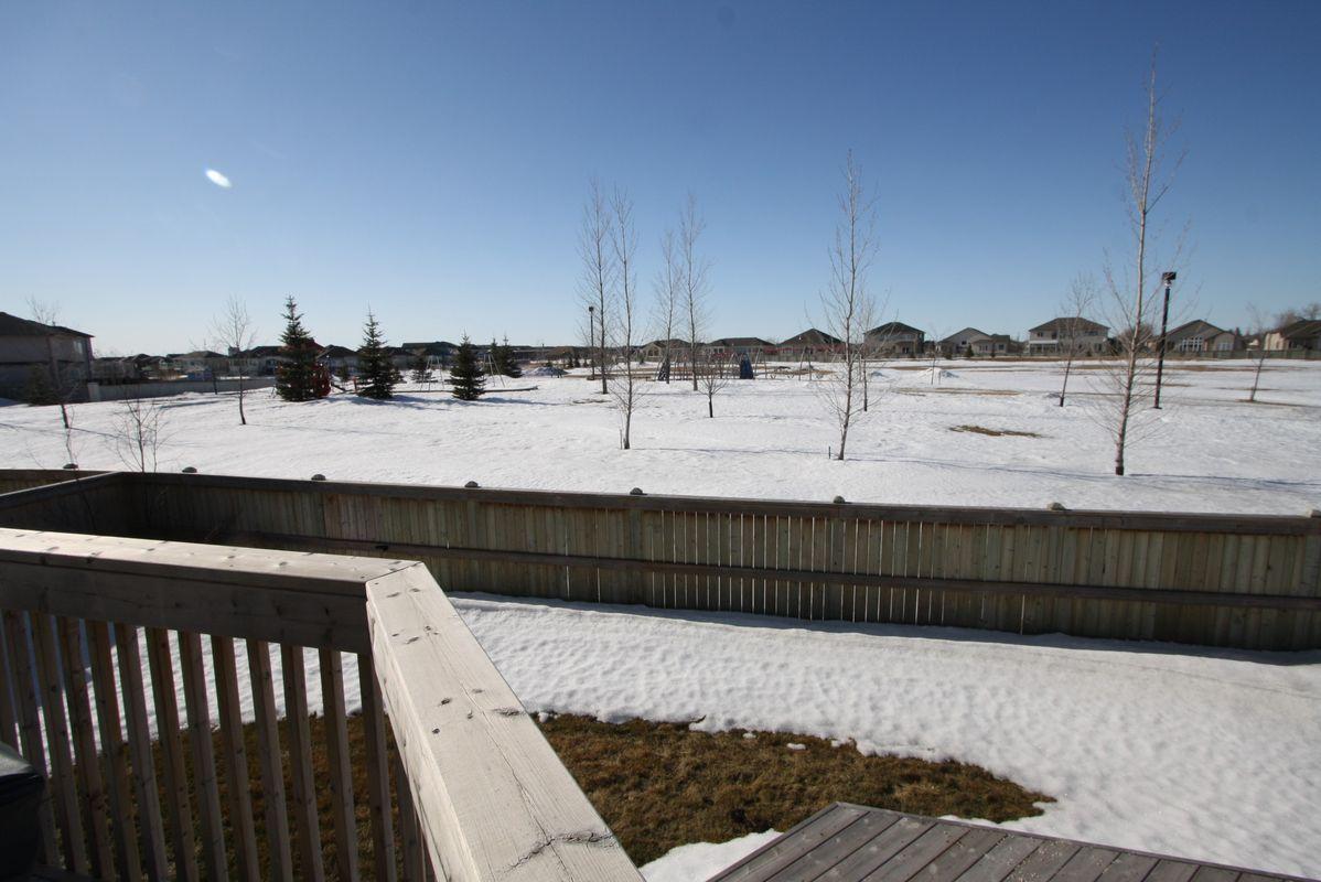 133 Laurel Ridge Drive, Winnipeg, Manitoba  R3Y 1X3 - Photo 2 - 1104833