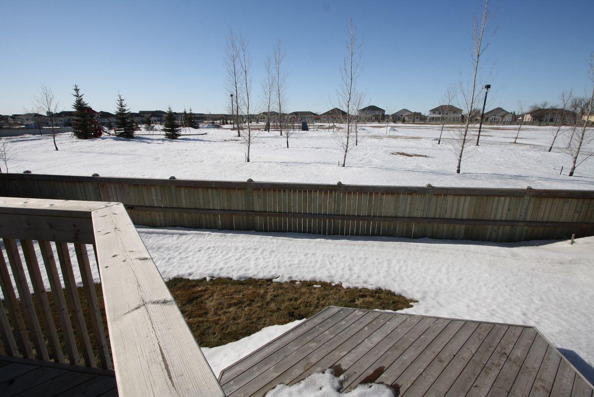 133 Laurel Ridge Drive, Winnipeg, Manitoba  R3Y 1X3 - Photo 3 - 1104833