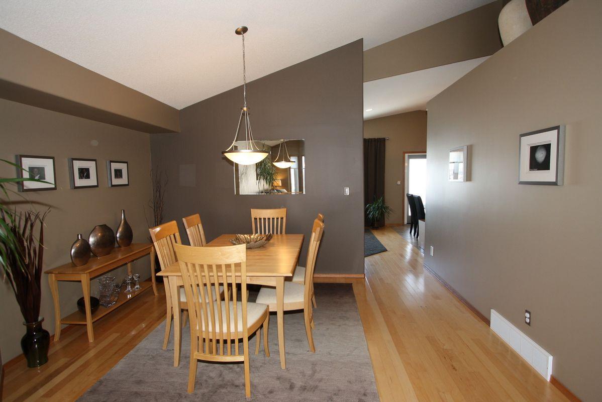 133 Laurel Ridge Drive, Winnipeg, Manitoba  R3Y 1X3 - Photo 7 - 1104833