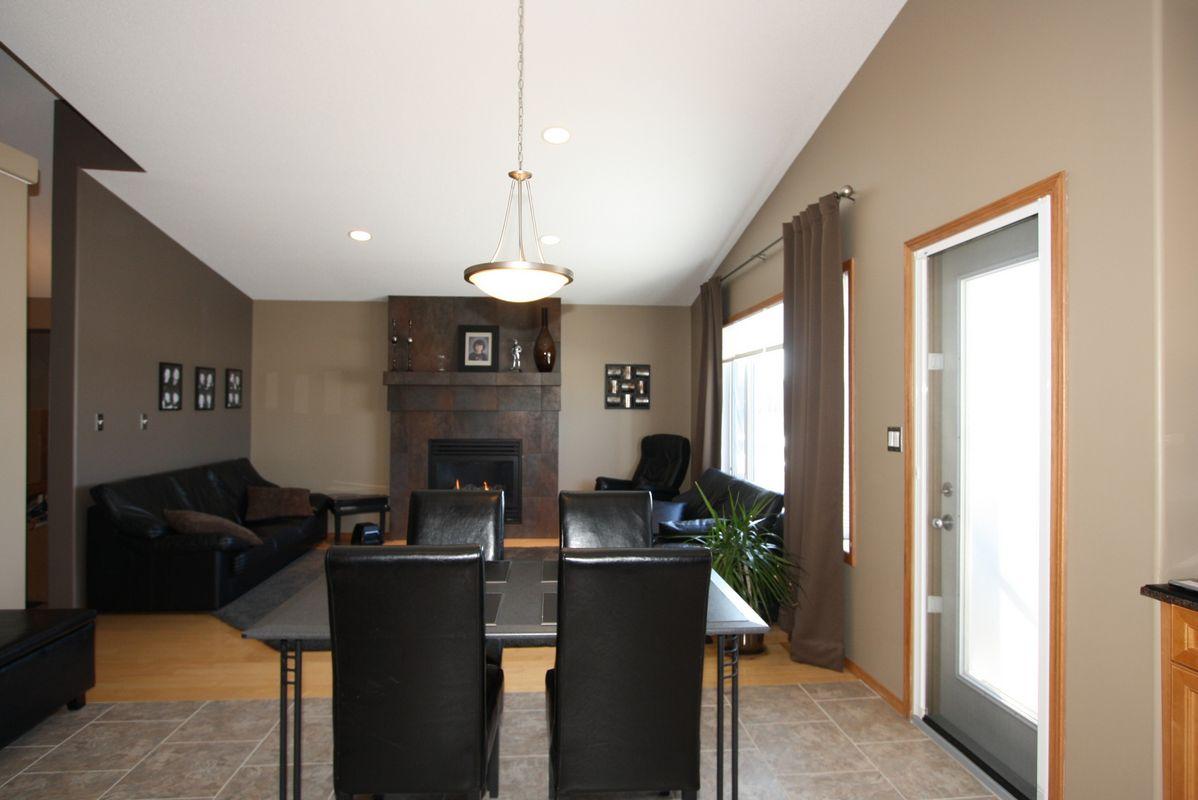 133 Laurel Ridge Drive, Winnipeg, Manitoba  R3Y 1X3 - Photo 9 - 1104833