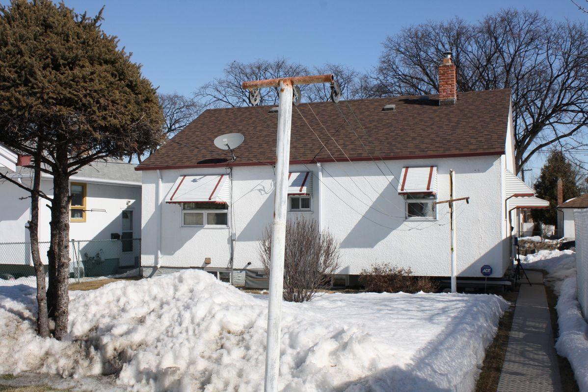 898 Bannerman Avenue, Winnipeg, Manitoba  R2X 1K3 - Photo 11 - 1105337