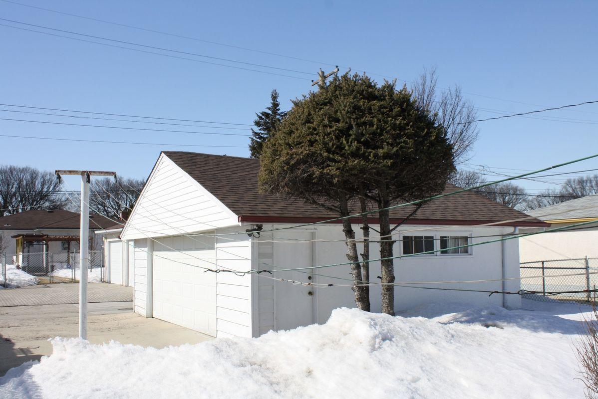 898 Bannerman Avenue, Winnipeg, Manitoba  R2X 1K3 - Photo 13 - 1105337
