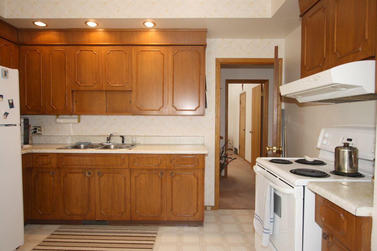 898 Bannerman Avenue, Winnipeg, Manitoba  R2X 1K3 - Photo 2 - 1105337