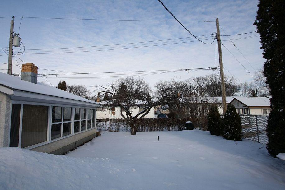 501 Stalker Bay, Winnipeg, Manitoba  R2G 0C8 - Photo 21 - 1201648