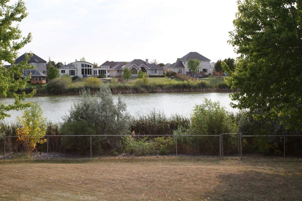 130 Queens Park Crescent, Winnipeg, Manitoba  R3P 1X4 - Photo 23 - 1303365