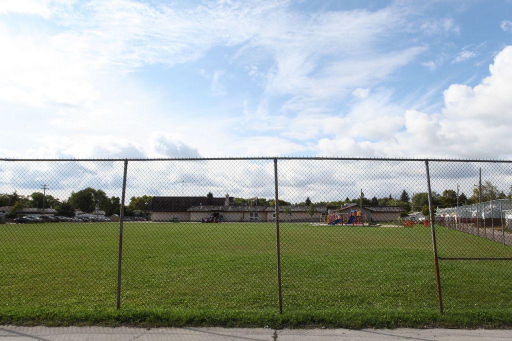 388 Templeton Avenue, Winnipeg, Manitoba  R2V 1S7 - Photo 23 - 1423007
