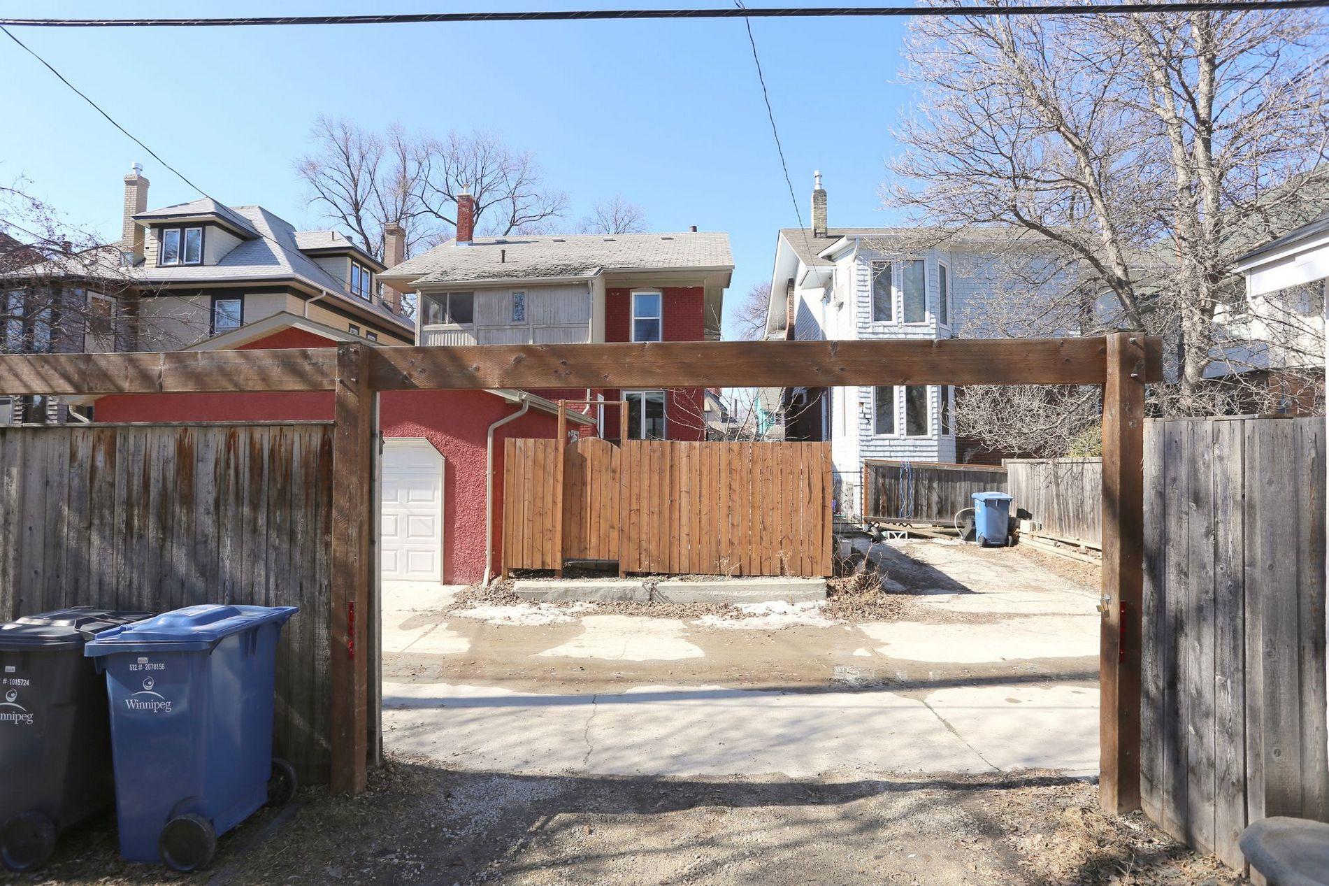 88 Canora Street, Winnipeg, Manitoba  R3G 1S9 - Photo 20 - 1505956