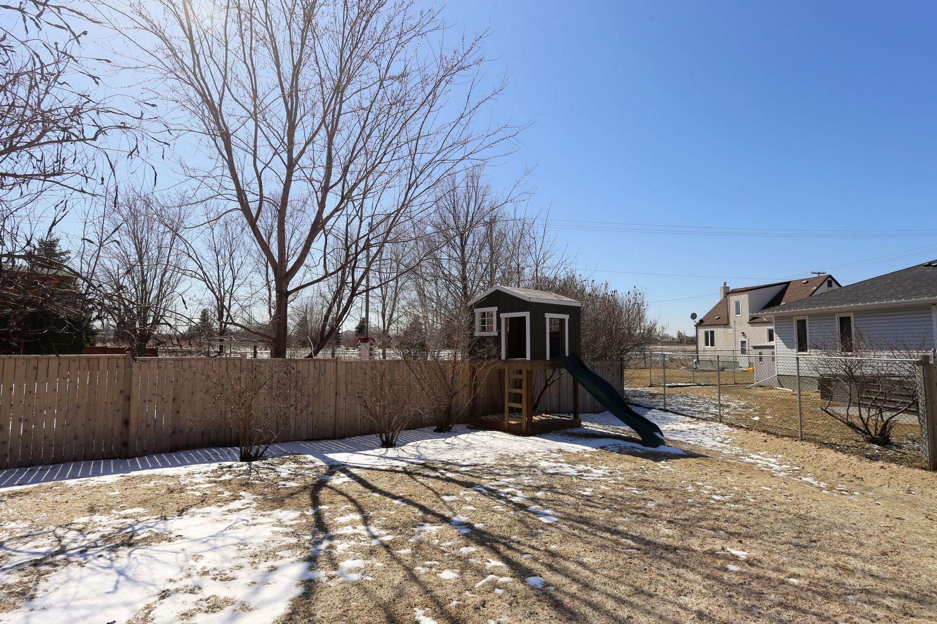 108 Coopman Crescent, Winnipeg, Manitoba  R3R 3T7 - Photo 24 - 1607903
