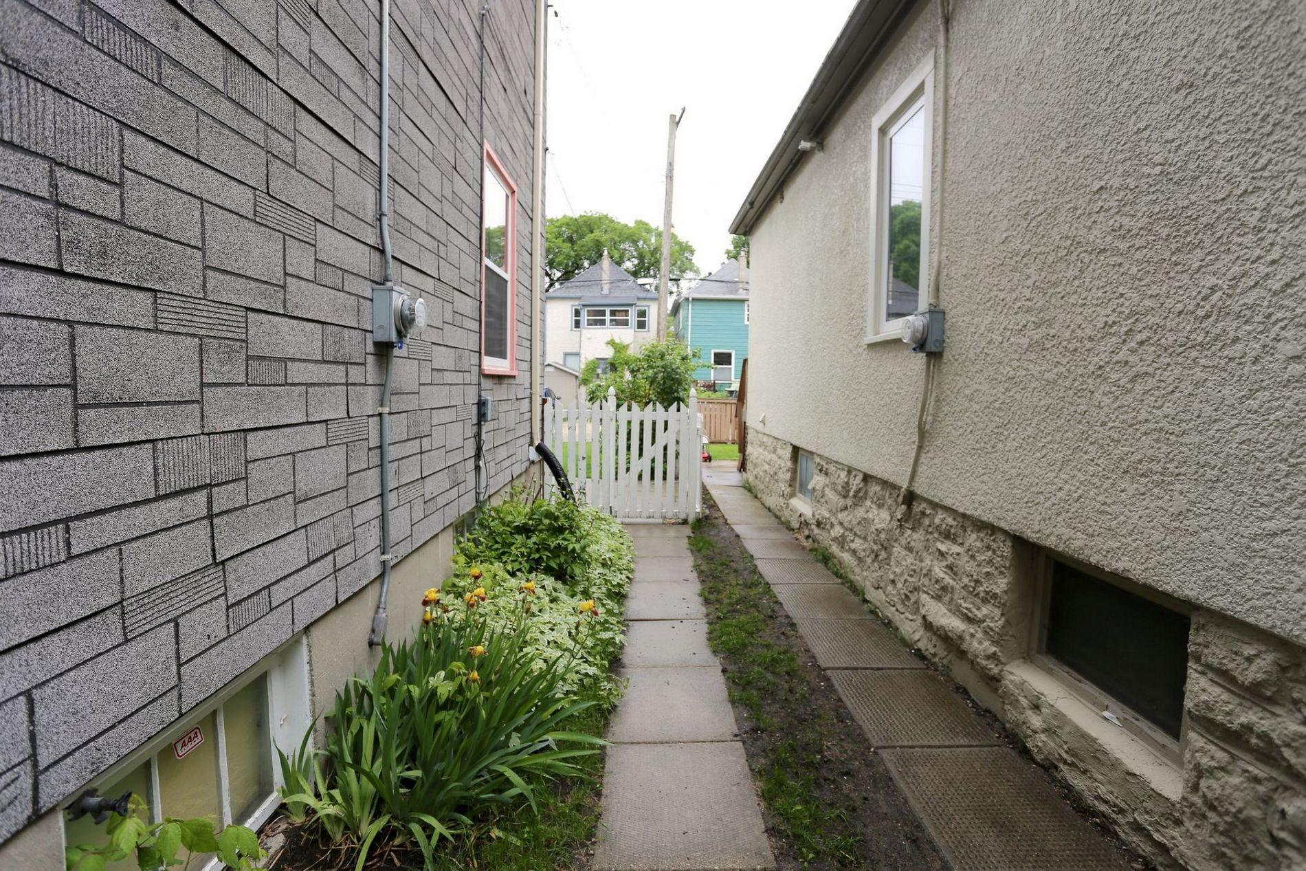 205 Aubrey Street, Winnipeg, Manitoba  R3G 2H9 - Photo 21 - 1614389