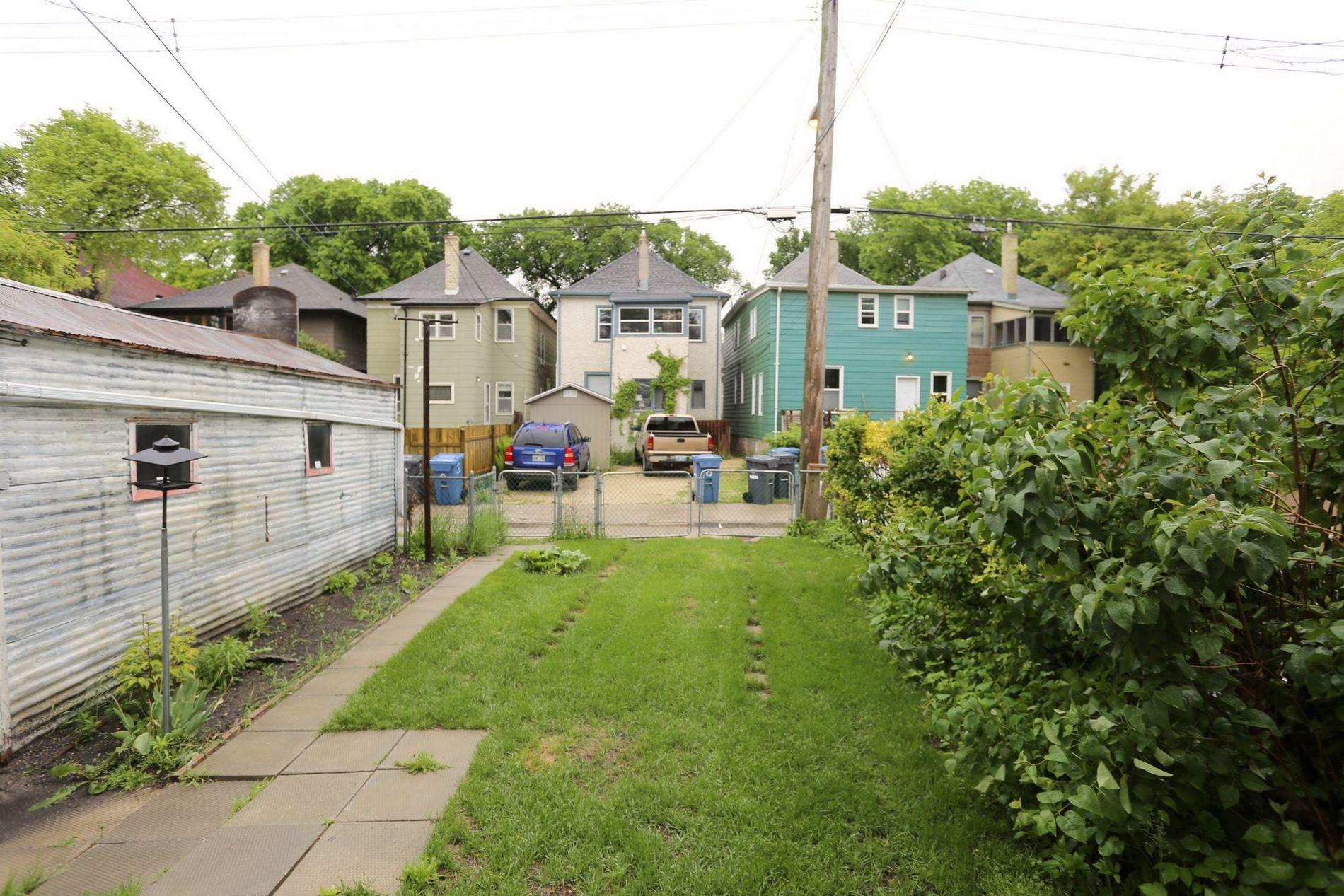 205 Aubrey Street, Winnipeg, Manitoba  R3G 2H9 - Photo 22 - 1614389