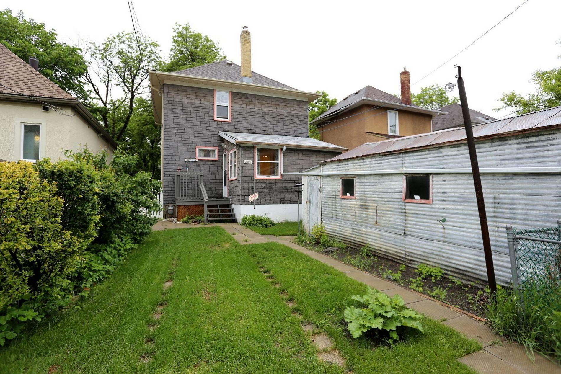 205 Aubrey Street, Winnipeg, Manitoba  R3G 2H9 - Photo 23 - 1614389