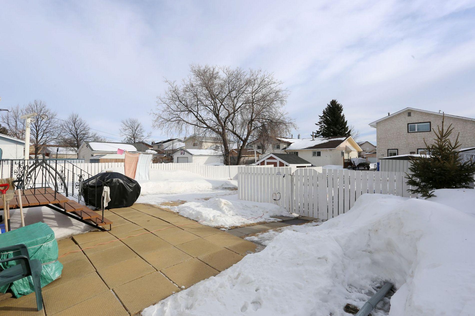 30 Kushner Crescent, Winnipeg, Manitoba  R2P 0P1 - Photo 19 - 1703132