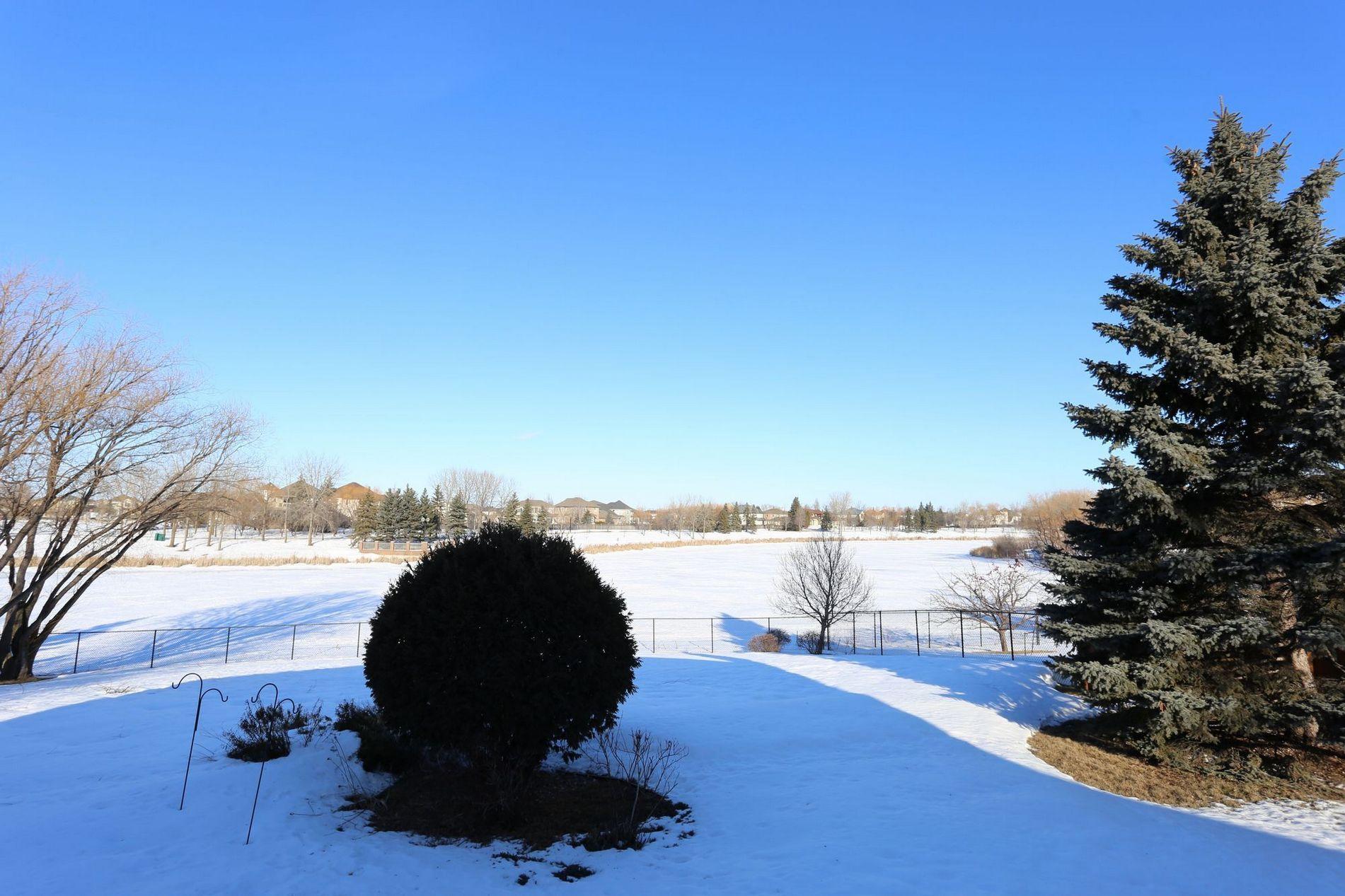 71 Waterbury, Winnipeg, Manitoba  1  - Photo 20 -
