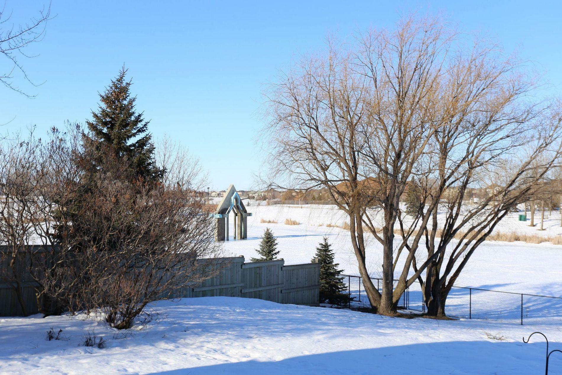 71 Waterbury, Winnipeg, Manitoba  1  - Photo 29 -