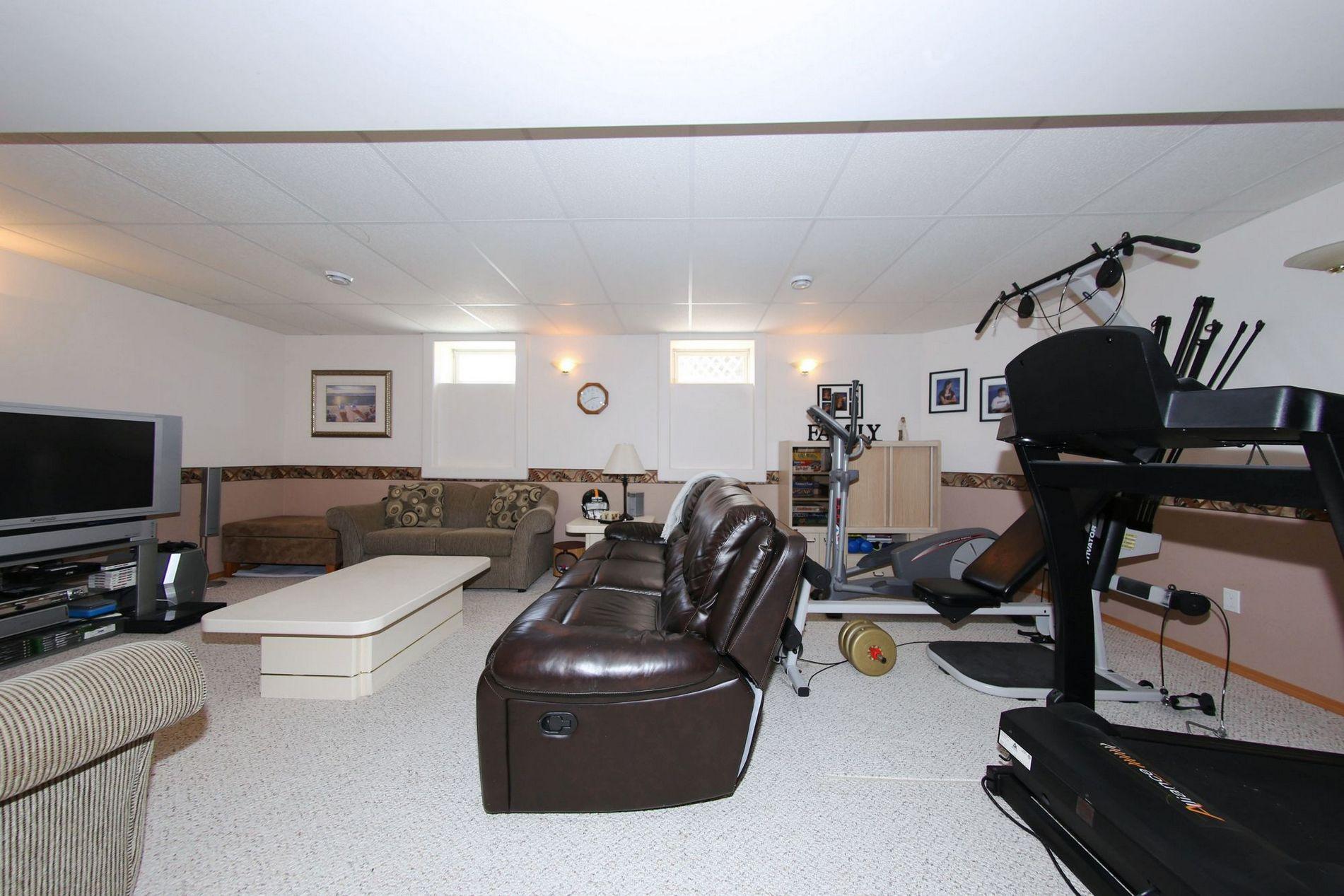 28 Meadowcrest Bay, Winnipeg, Manitoba  R2V 4G9 - Photo 24 - 1715091
