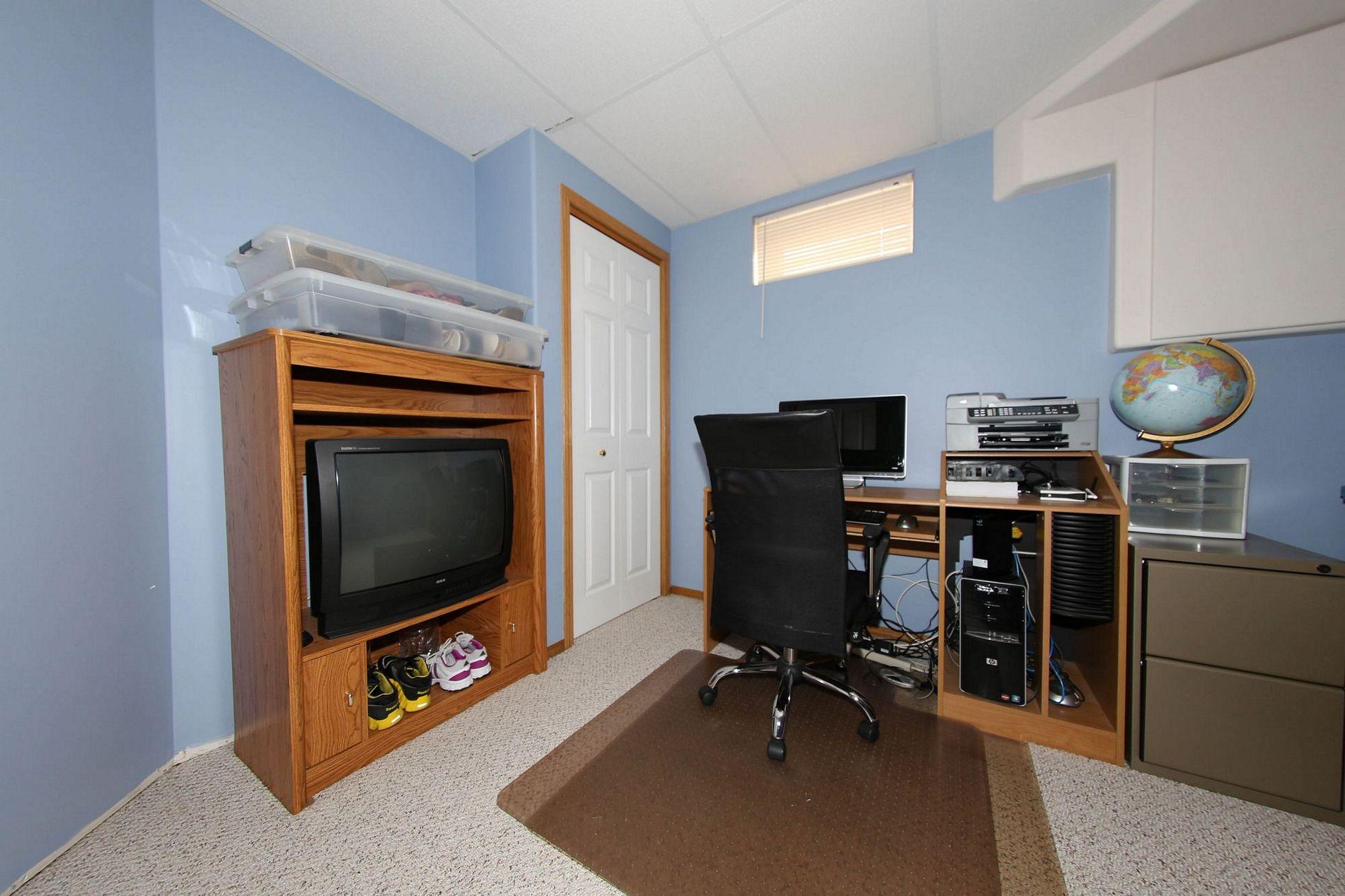28 Meadowcrest Bay, Winnipeg, Manitoba  R2V 4G9 - Photo 25 - 1715091