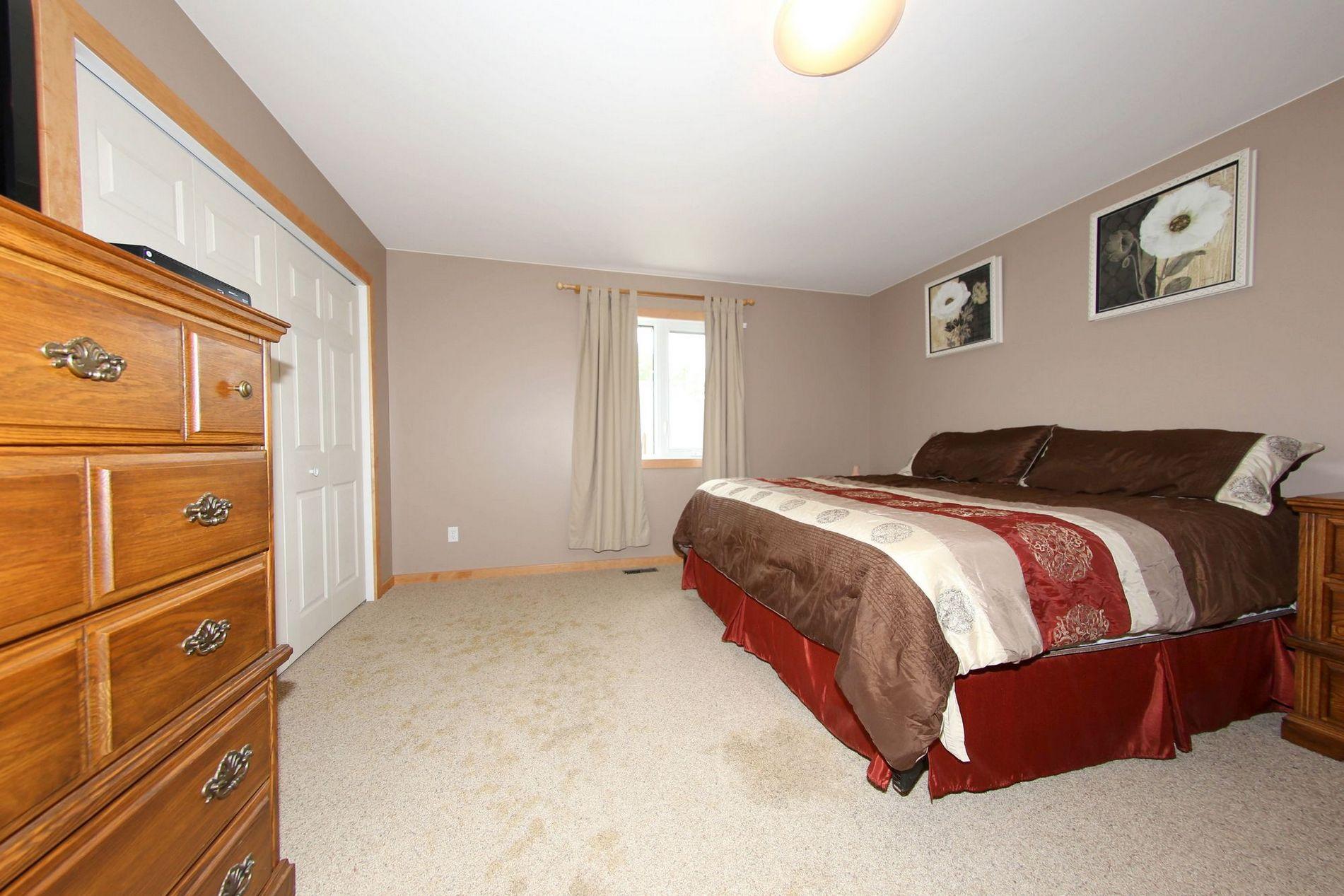133 Peters Lane-Mitchell-Mb, Winnipeg, Manitoba  R5G 1H9 - Photo 11 - 1715266