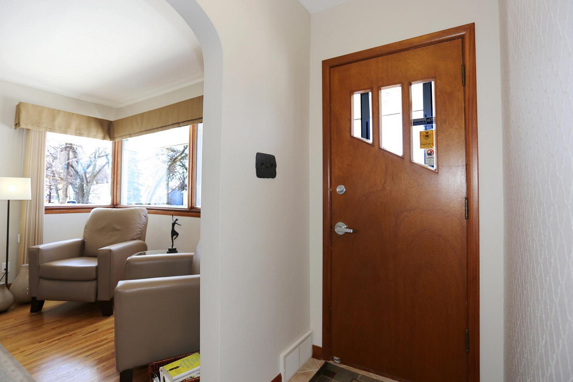 349 Guildford Street, Winnipeg, Manitoba  R3J 2J6 - Photo 2 - 1807654