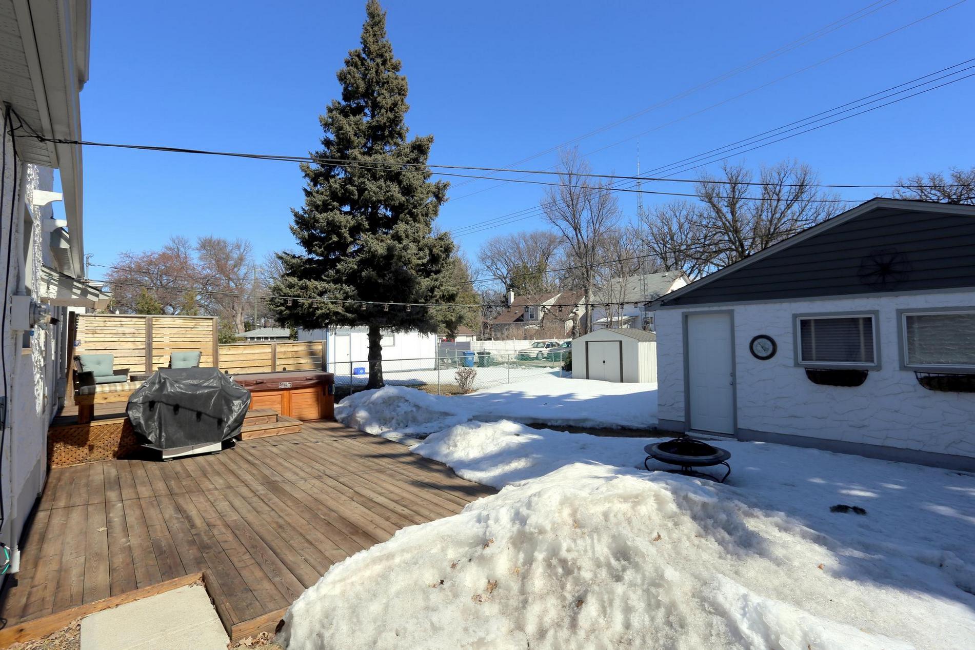 349 Guildford Street, Winnipeg, Manitoba  R3J 2J6 - Photo 28 - 1807654