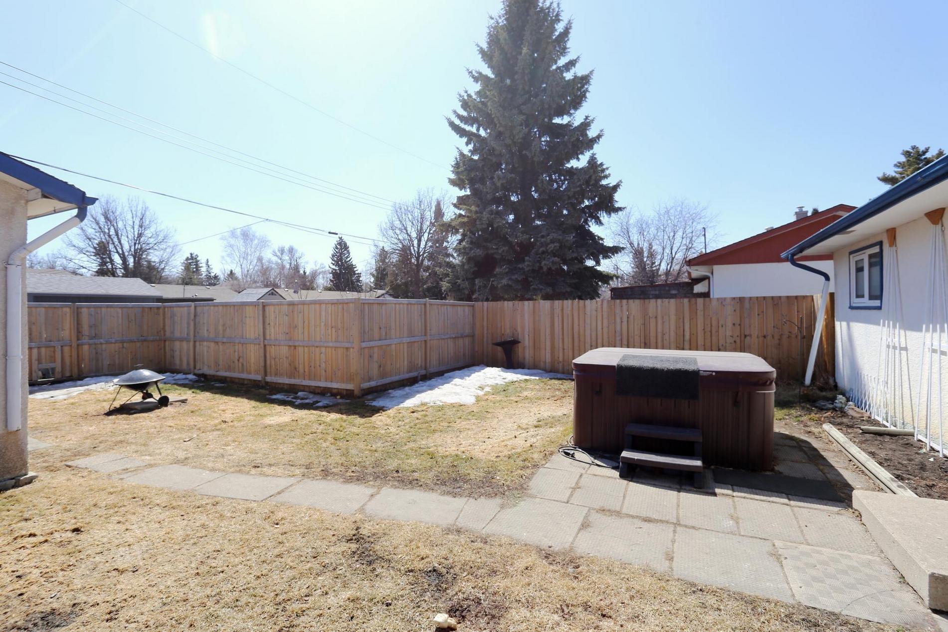 74 Robertson Crescent, Winnipeg, Manitoba  R2M 2N3 - Photo 23 - 1809350
