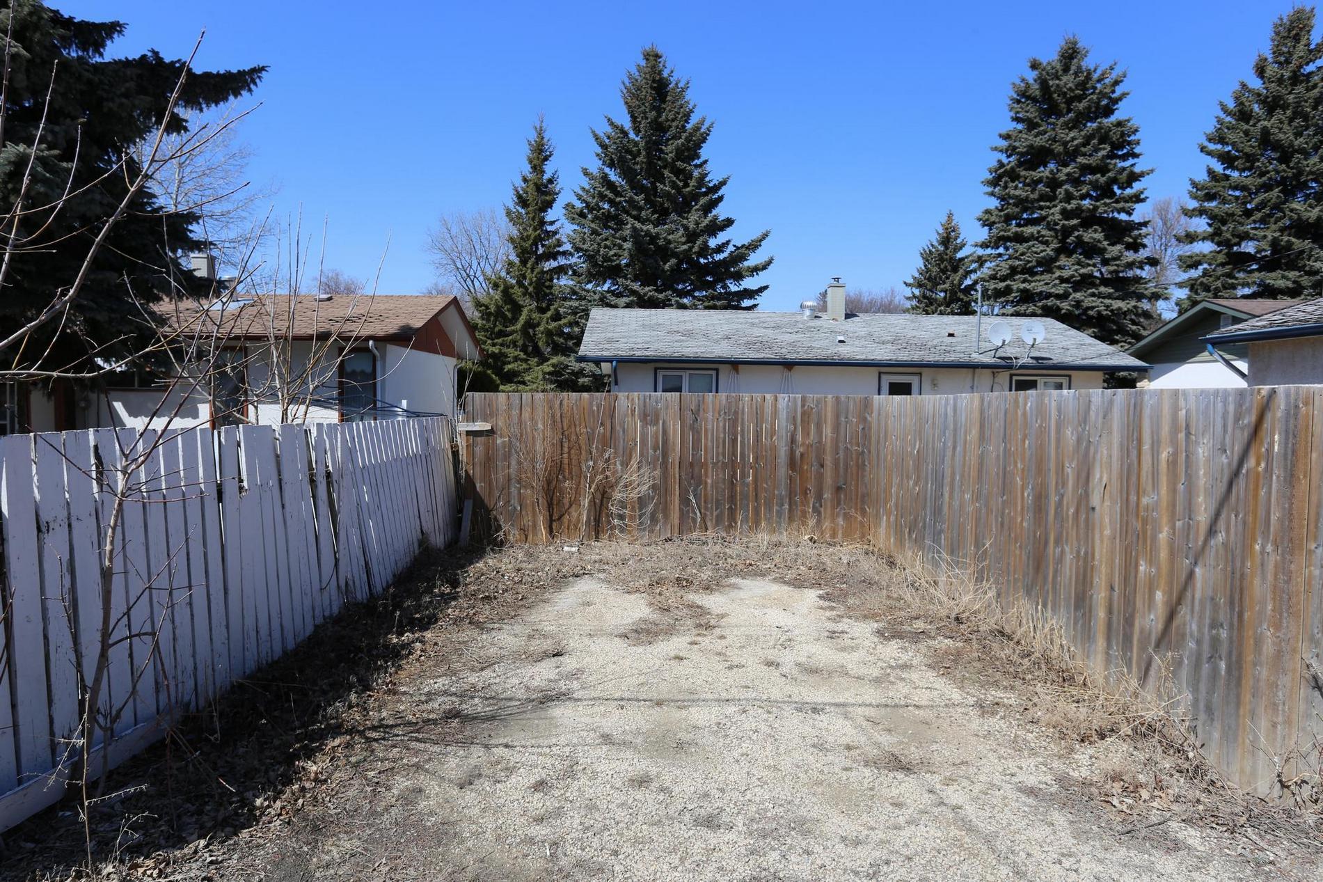 74 Robertson Crescent, Winnipeg, Manitoba  R2M 2N3 - Photo 25 - 1809350