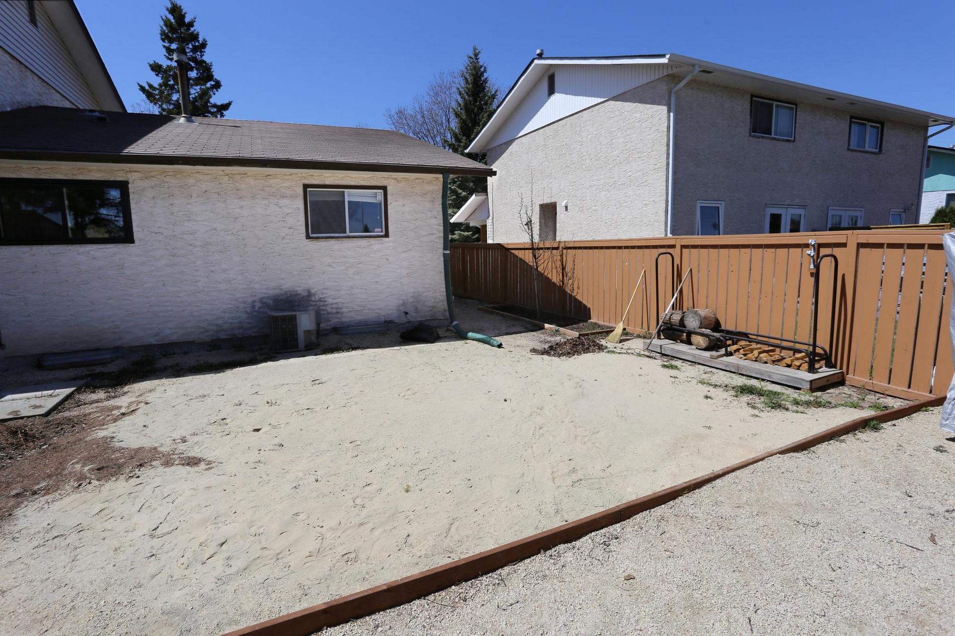 76 Callum Crescent, Winnipeg, Manitoba  R2G 2C8 - Photo 27 - 1811635