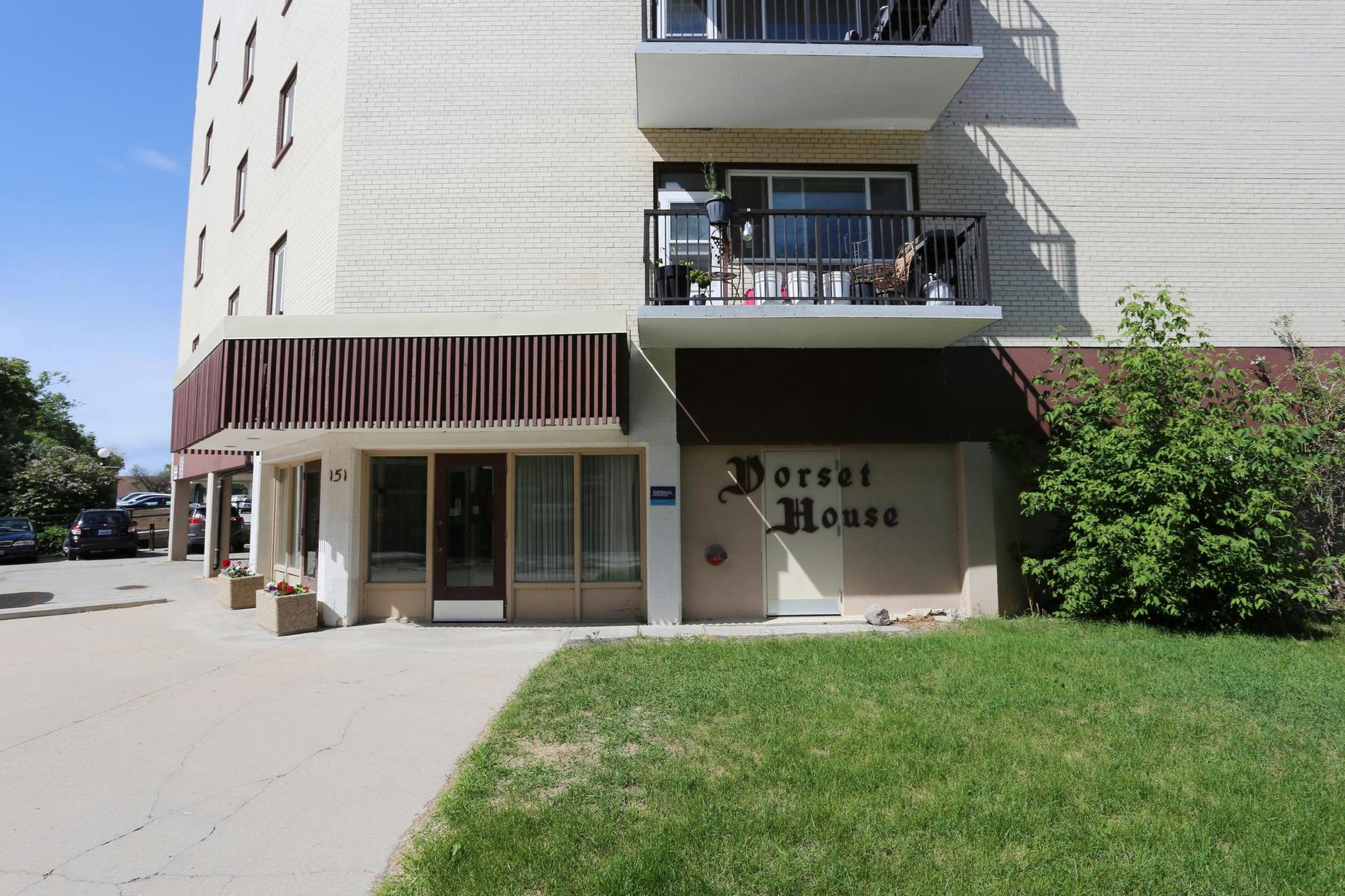 18-151 Roslyn Road, Winnipeg, Manitoba  R3L 0G5 - Photo 1 - 1816191