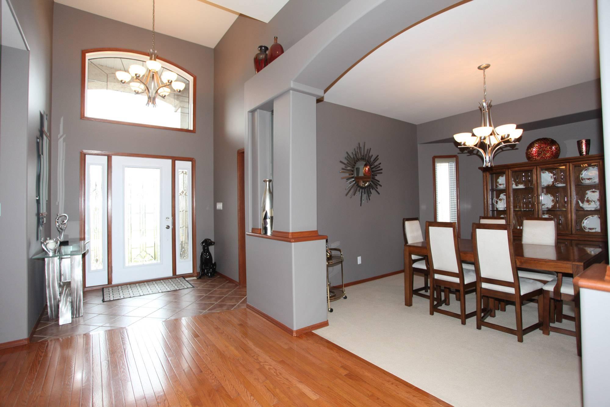 70 Laurel Ridge, Winnipeg, Manitoba  R3Y 1W7 - Photo 2 - 1827696