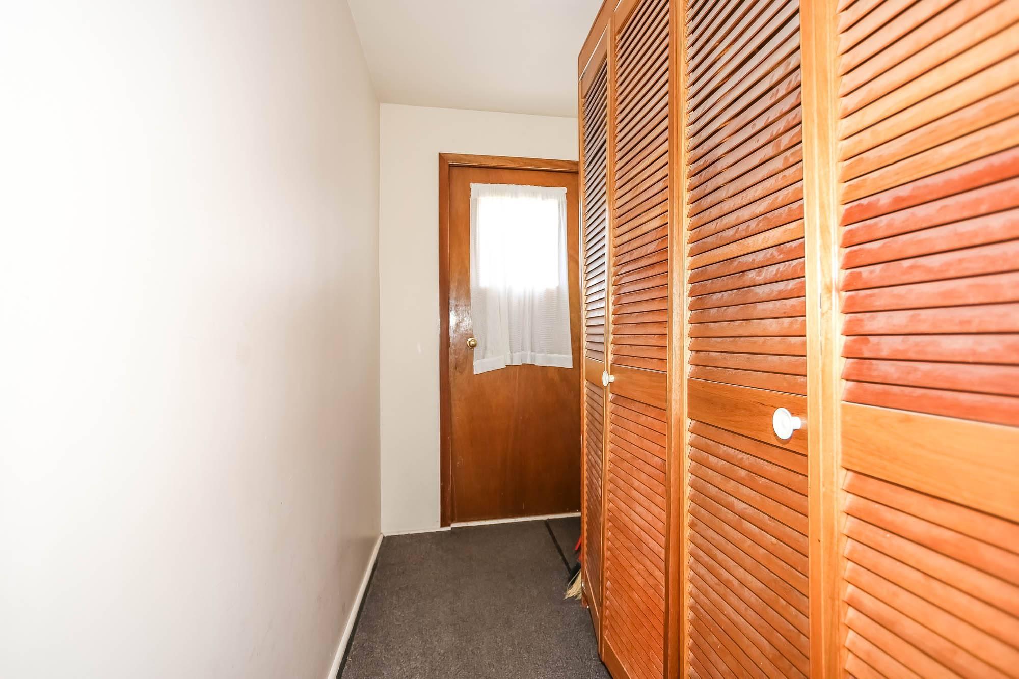 390 Banning, Winnipeg, Manitoba  R3G 2E5 - Photo 1 - 1914266