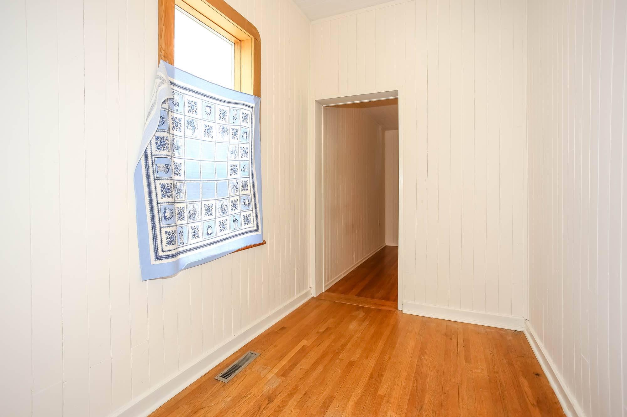 390 Banning, Winnipeg, Manitoba  R3G 2E5 - Photo 4 - 1914266