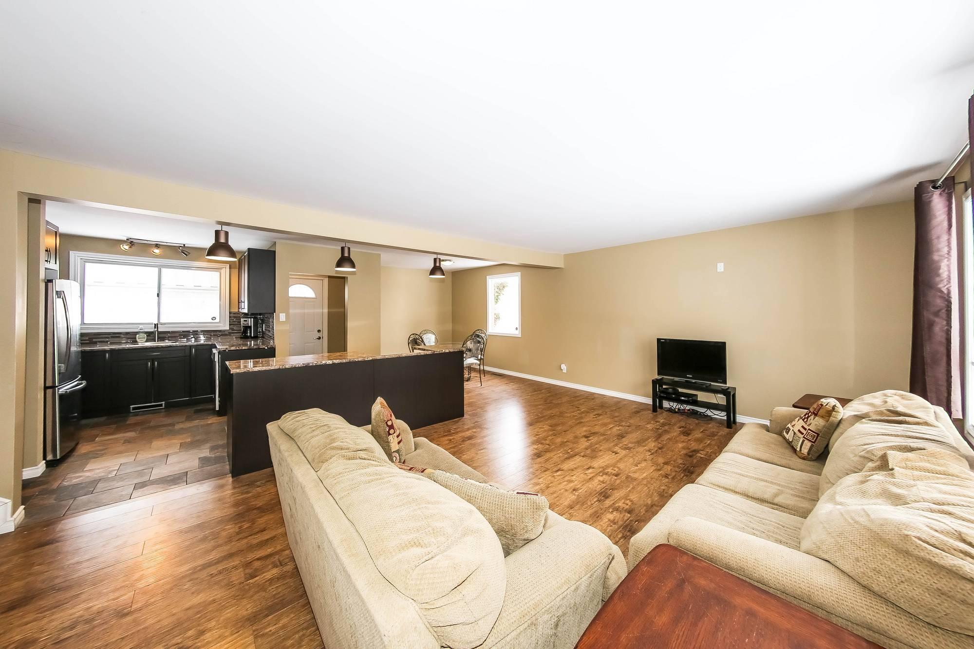 158 Raquette, Winnipeg, Manitoba  R3K 1N5 - Photo 2 - 202002520