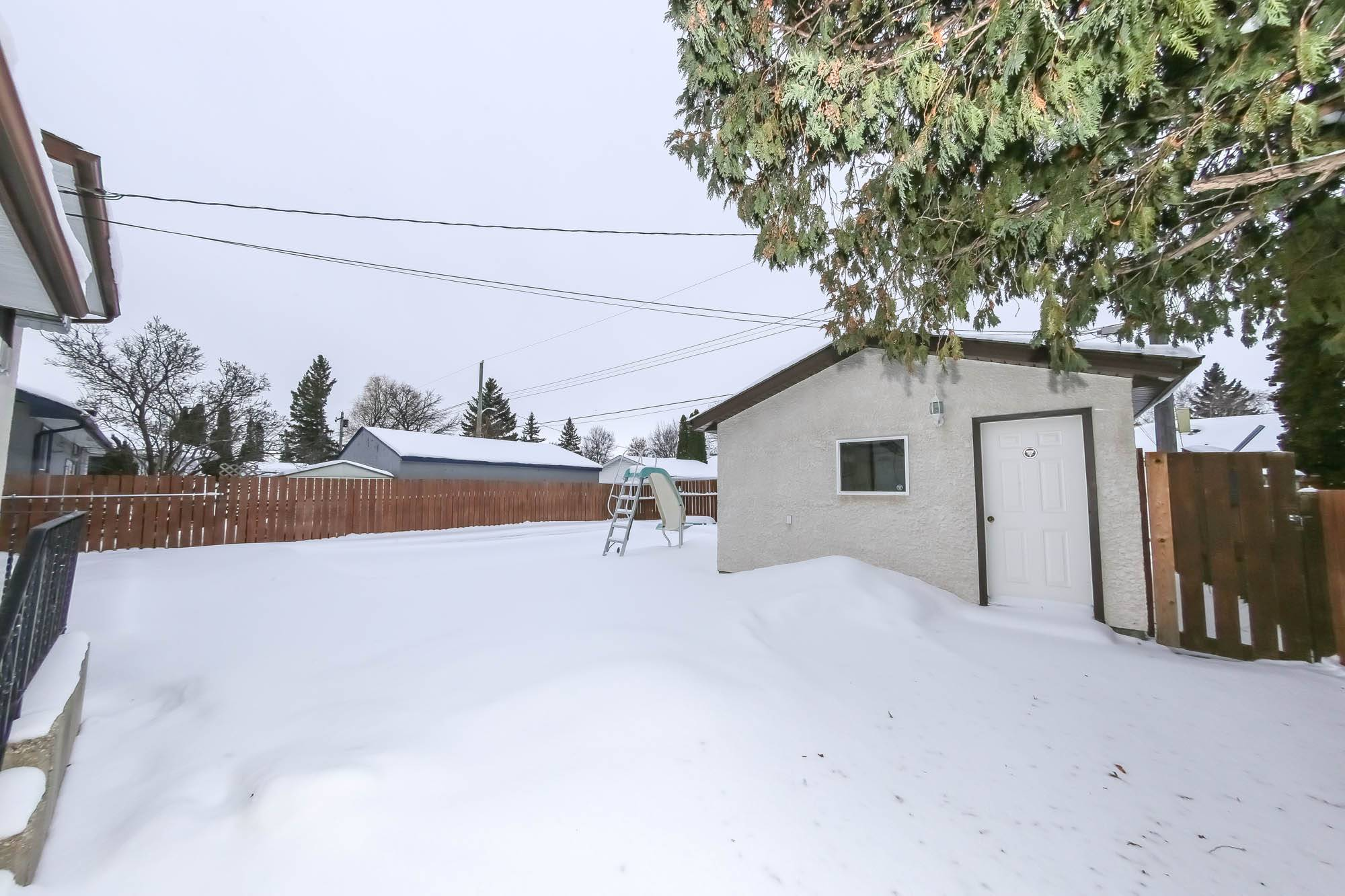 158 Raquette, Winnipeg, Manitoba  R3K 1N5 - Photo 32 - 202002520
