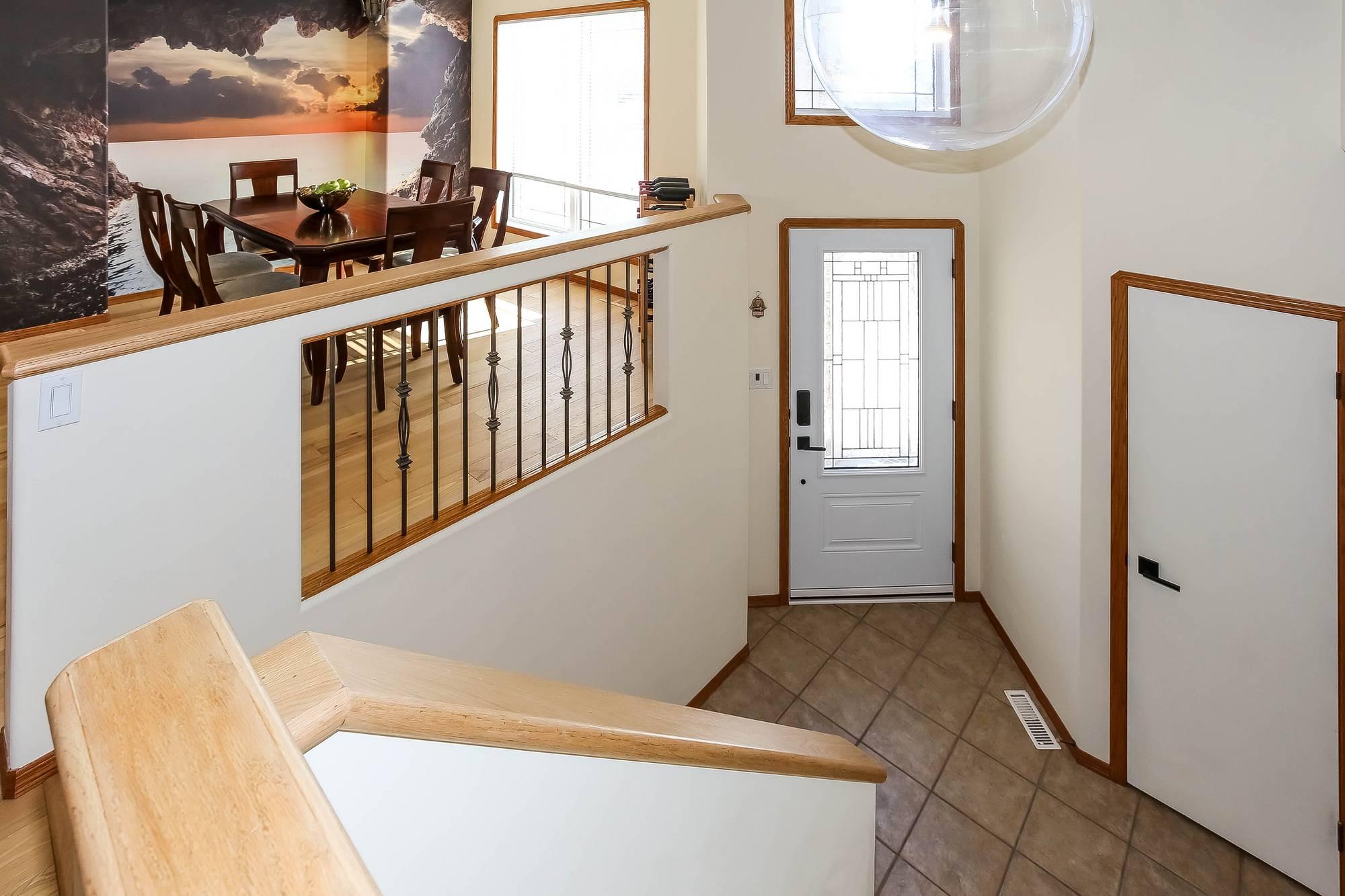 69 Laurel Ridge Drive, Winnipeg, Manitoba  R3Y 1X1 - Photo 3 - 202003693