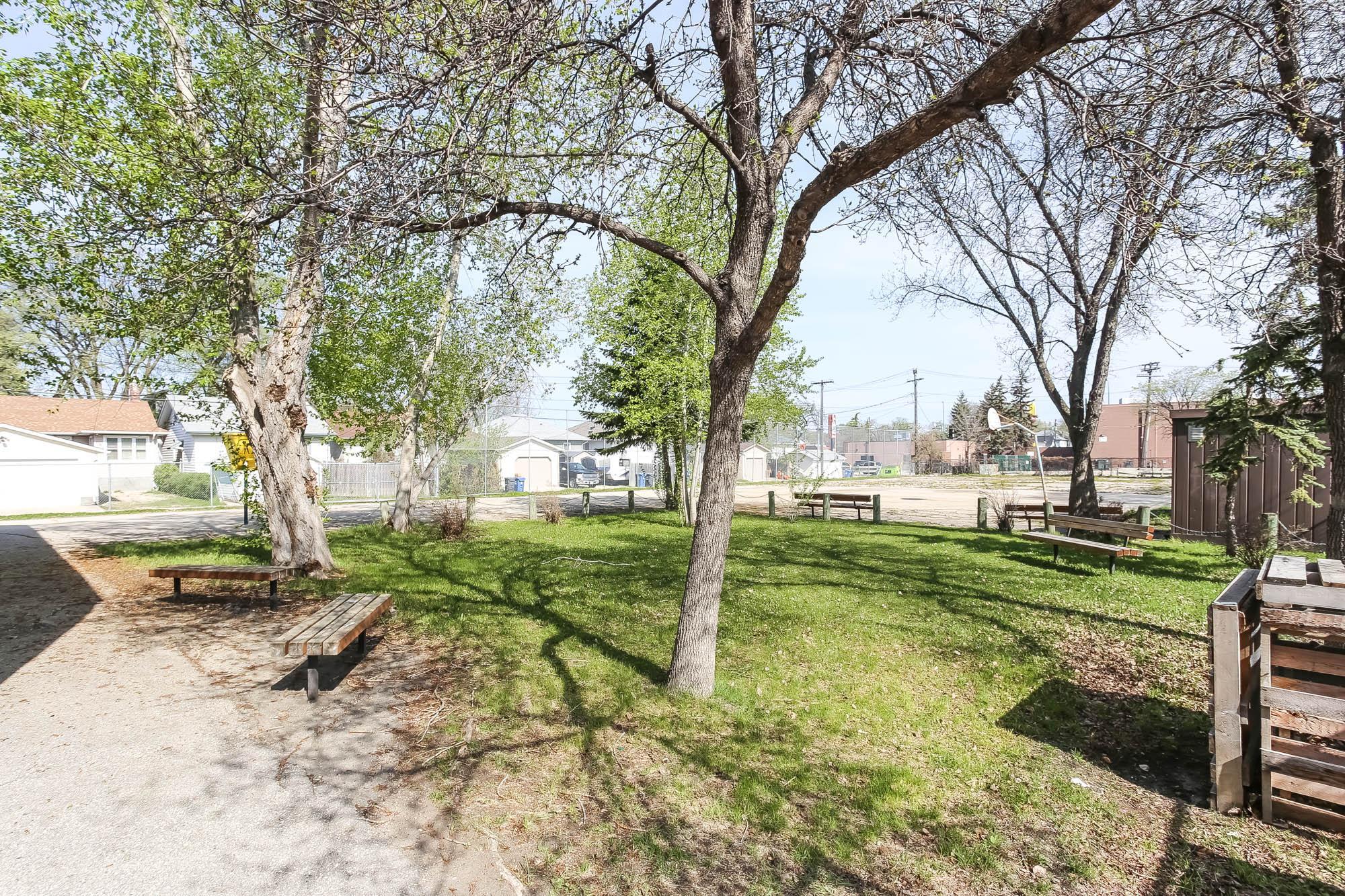 518 Camden Place, Winnipeg, Manitoba  R3G 2V7 - Photo 37 - 202010689