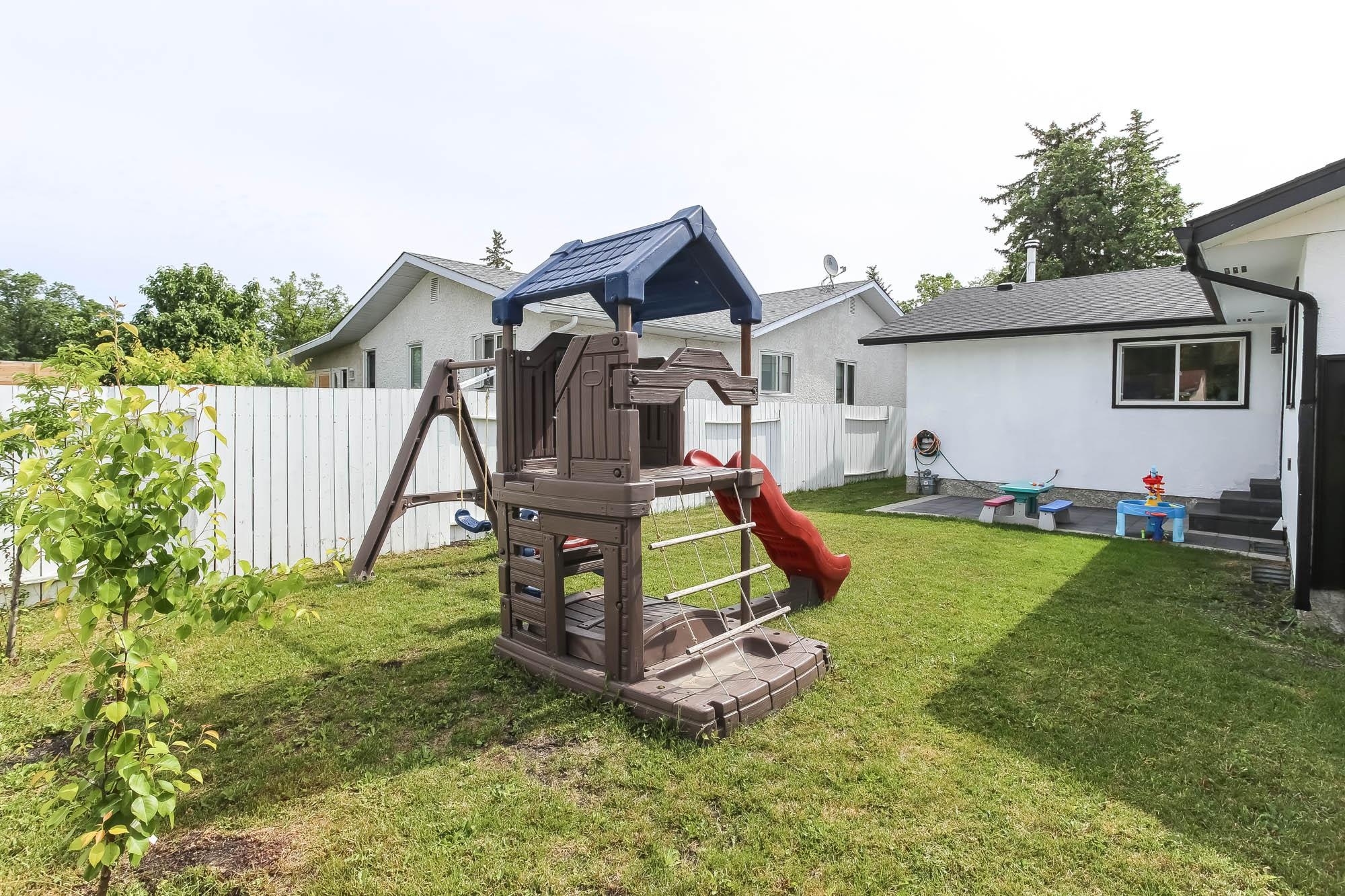 96 Stockdale St, Winnipeg, Manitoba  R3R 2G6 - Photo 36 - 202013918
