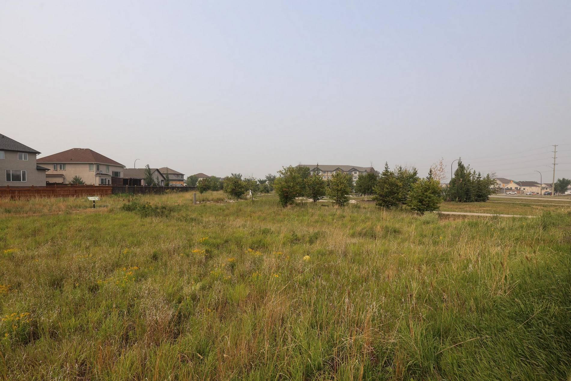 11 Autumnview Drive, Winnipeg, Manitoba  R3Y 0C6 - Photo 36 - 202118163