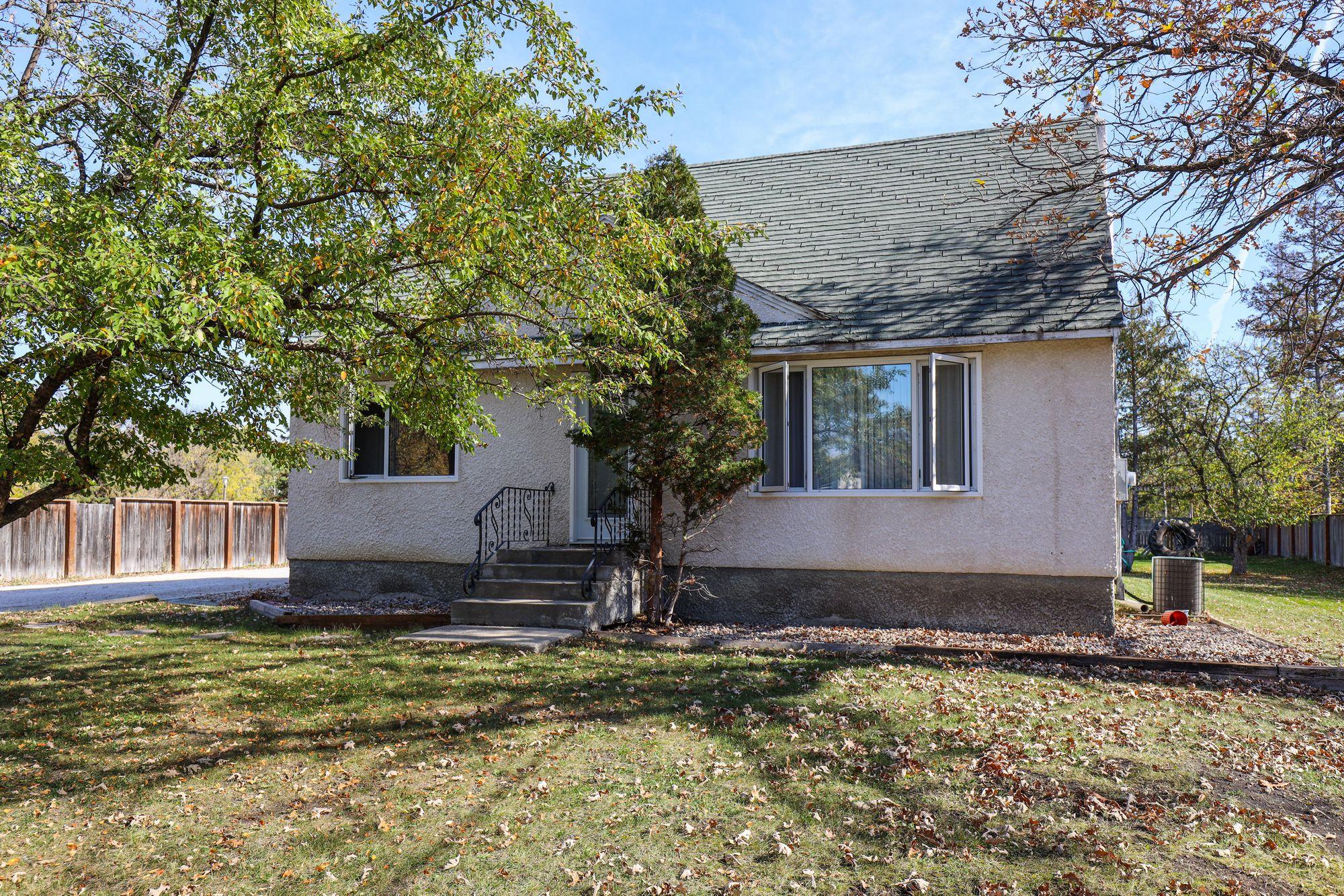 375 Oakdale Drive, Winnipeg, Manitoba    - Photo 1 - 1